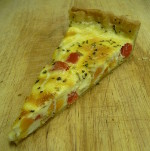 Quiche with red pepper, sweet potato and onion